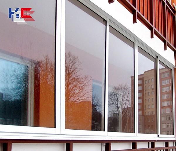 Алюминиевые раздвижные рамы на балкон..